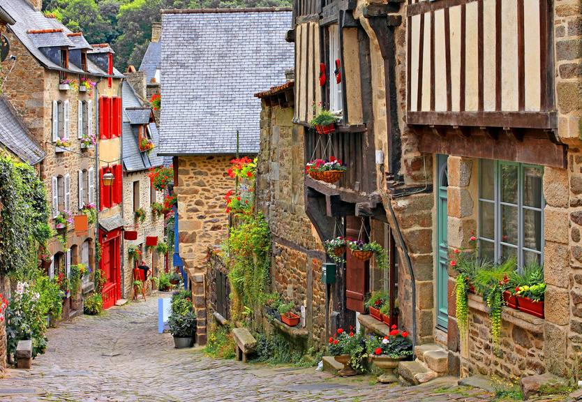 DINAN MIDDLE AGE VILLAGE CHARMING BRITTANY GST