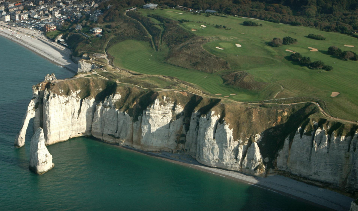 etretat golf course normandy cliff