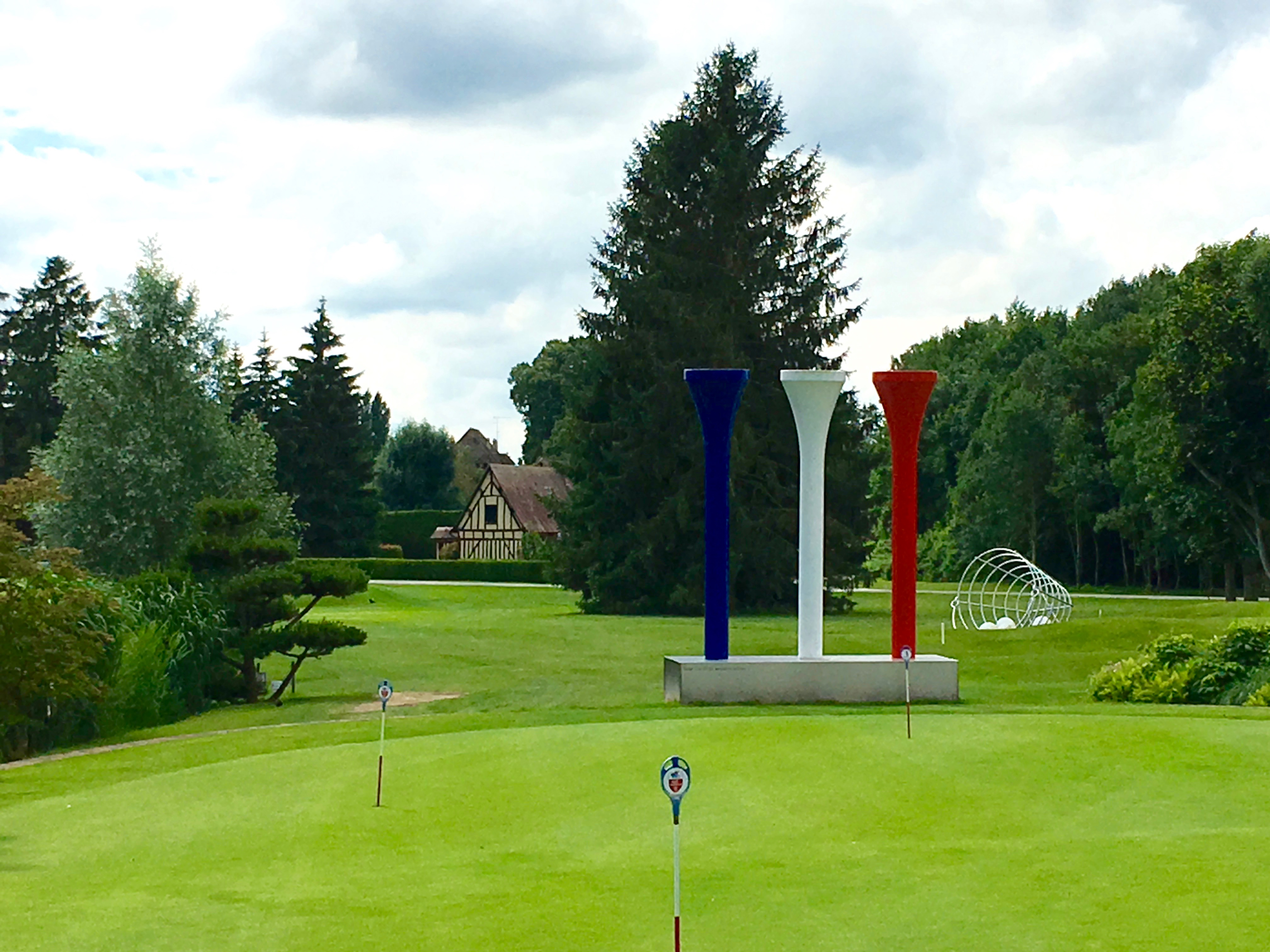 sculpture hubert vaudreuil PGA GOLF COURSE GST GOLF SIGHTSEEING TOURS