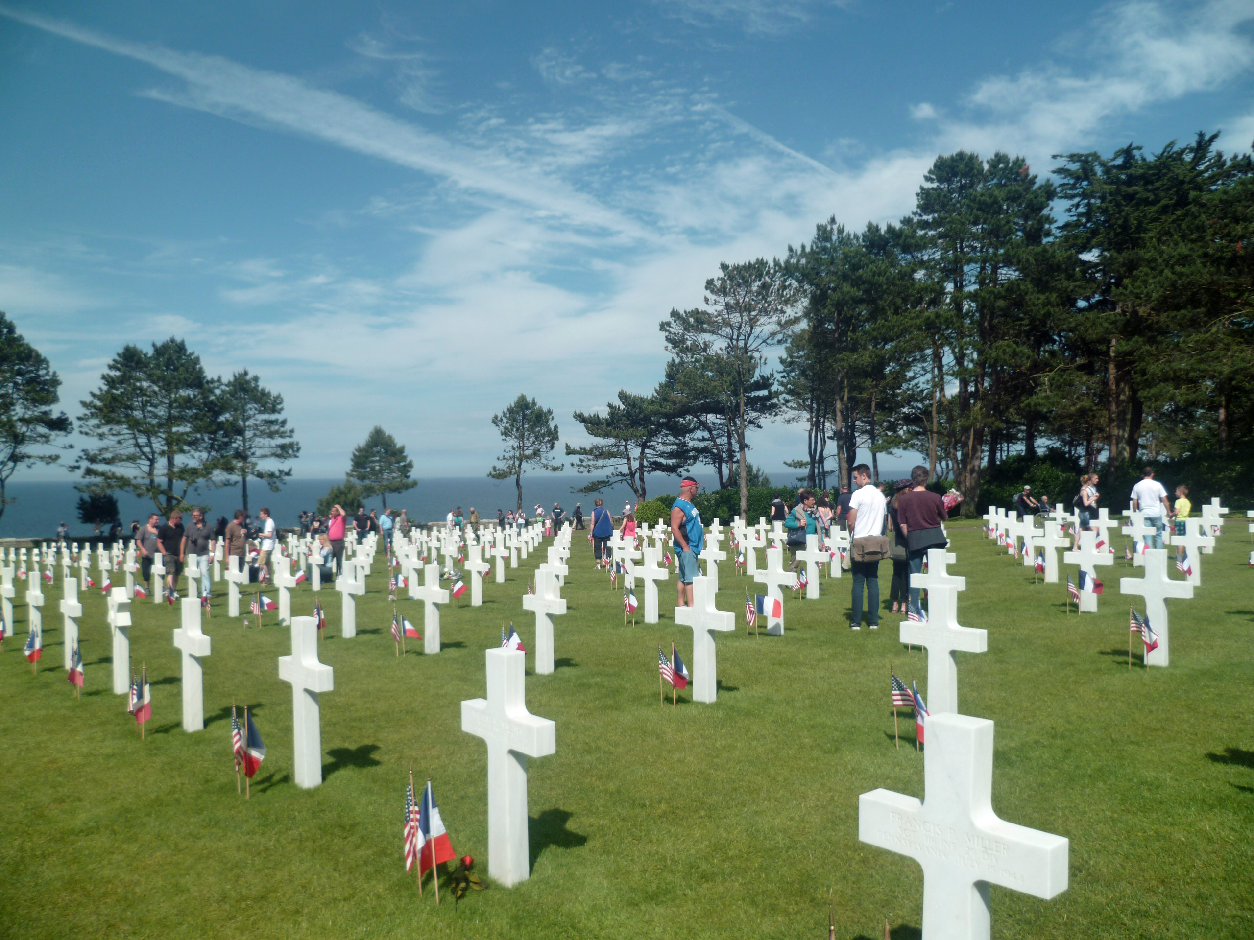 american cemetery second world war normandy colleville sur mer